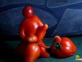 长相超级诡异的西红柿啊,好囧!