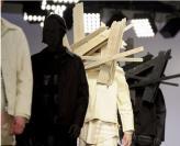 T台上的木片!伦敦男装周刮起古怪风!